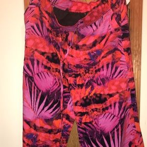 NWT💖Women's wide legged pants💖Perfect for Spring